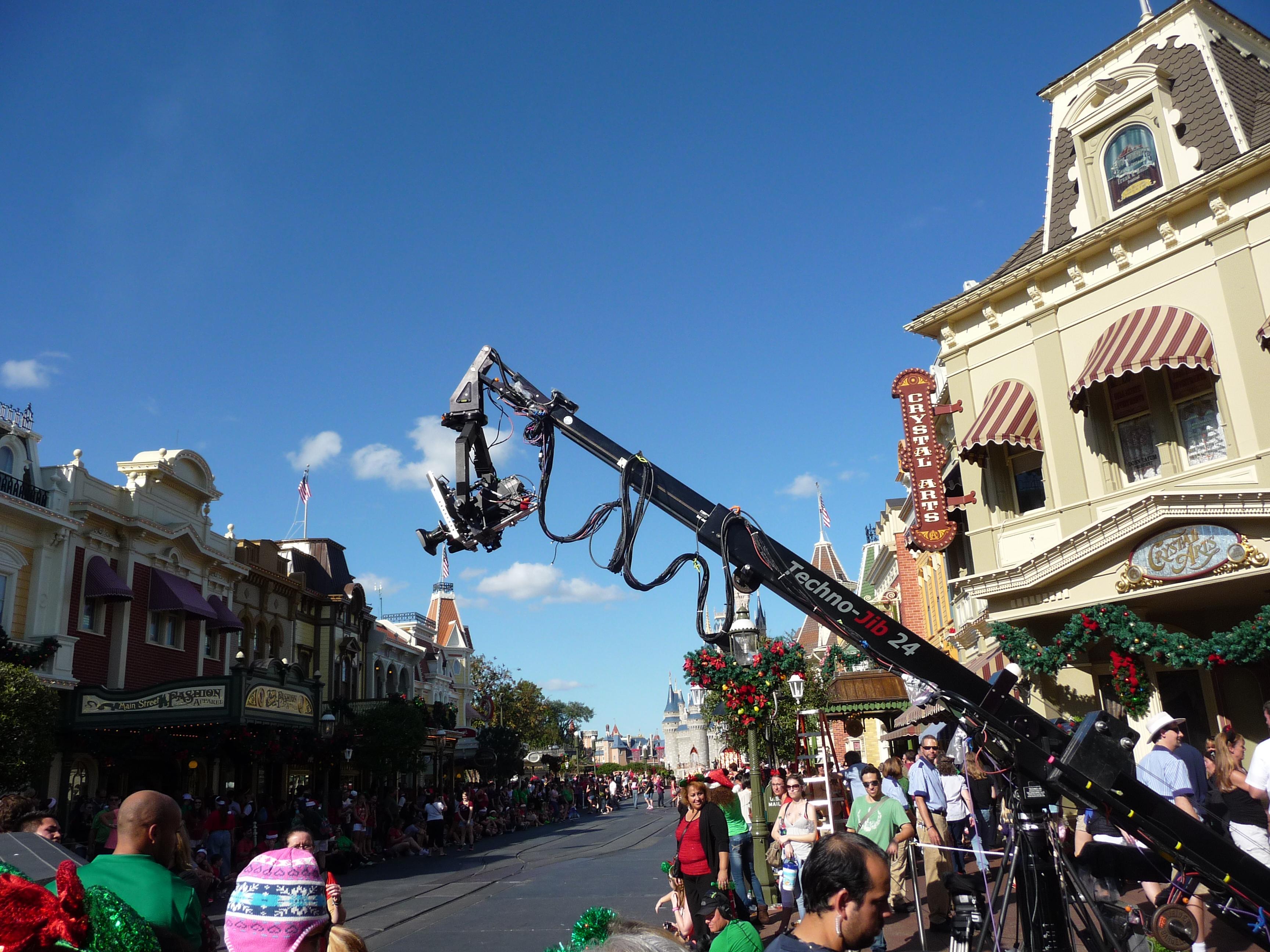 Disney Parks Christmas Day Parade Taping - Disney Pins Blog