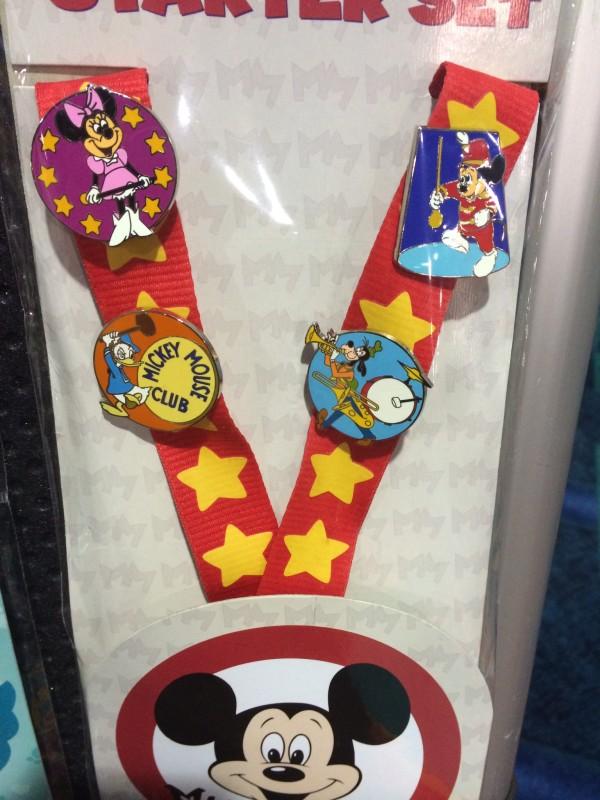 Mickey Mouse Cub Starter Pin Set