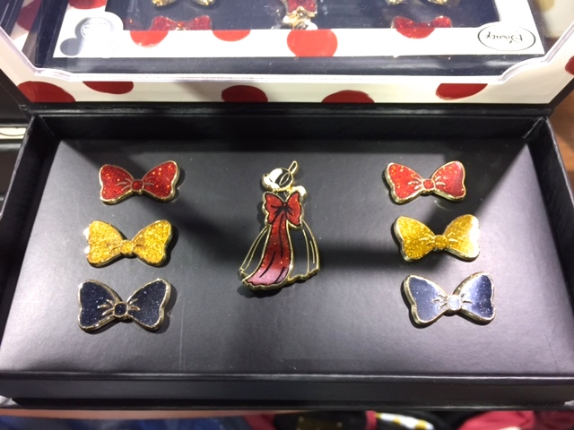 Minnie Mouse Signature Pins D23 EXPO 2015
