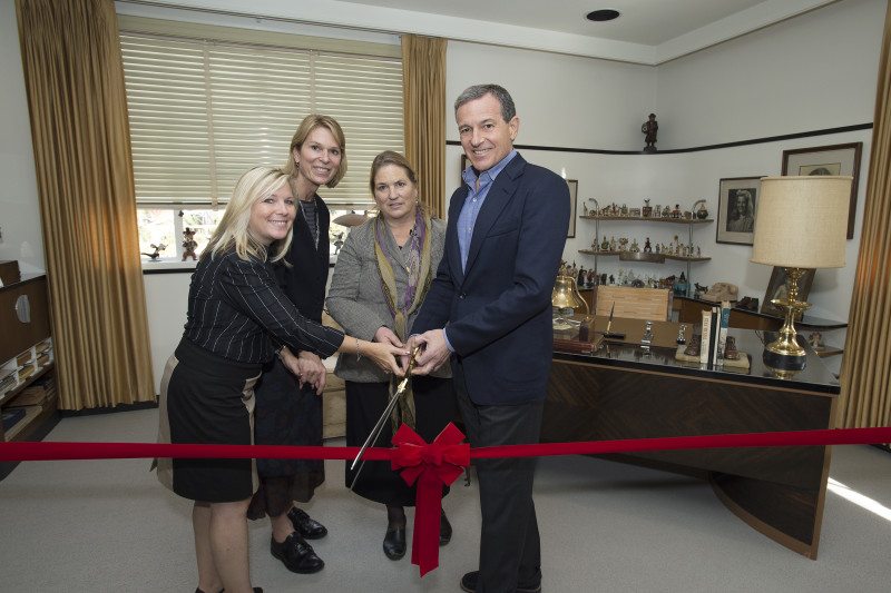 CORPORATE - Bob Iger, Chairman and CEO of The Walt Disney Company, hosts a very special ceremony to dedicate the newly restored offices of Walt Disney in the Animation Building at the Walt Disney Studios lot in Burbank on Monday, December 7, at 11:00 a.m. (ABC/Image Group LA) MICHELLE LUND, JENNIFER GOFF, JOANNA MILLER, ROBERT A. IGER (CHAIRMAN AND CEO, THE WALT DISNEY COMPANY)