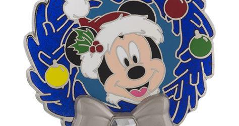 Disneyland Diamond Wreath - Mickey Mouse Pin
