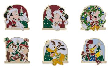Mickey & Friends Holiday Pin Set