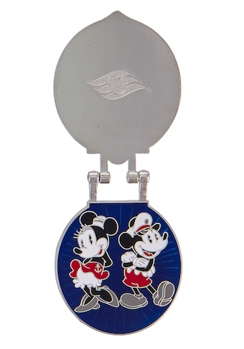 DCL New Year's 2017 Pin