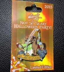 Donald & Daisy Halloween Pin