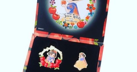 Japan Disney Store Snow White Pin Set