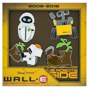 WALL-E 10th Anniversary Box Pin Set