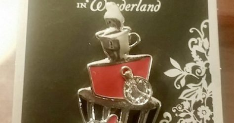 Alice in Wonderland Hot Topic Pin