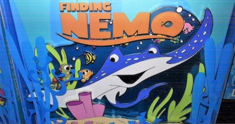 Finding Nemo 15th Anniversary Jumbo Pin