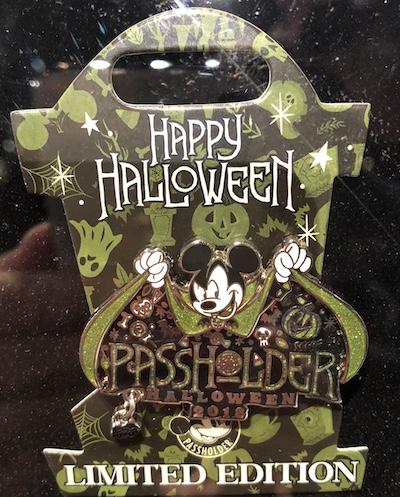 Passholder Halloween 2018 Pin