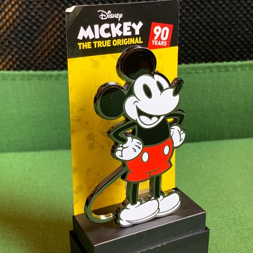 Closer Look of Mickey Mouse 90th Anniversary FiGPin