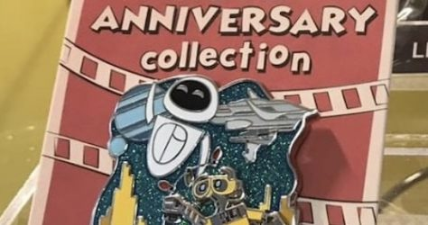 WALL-E 10th Cast Member Anniversary Pin