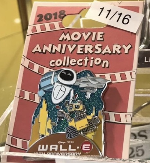 WALL-E 10th Cast Member Anniversary Pin