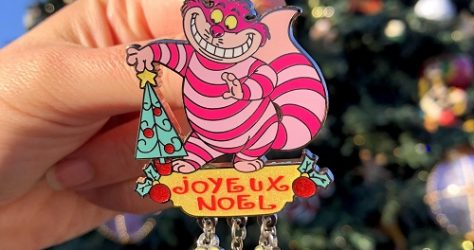 Disneyland Paris Cheshire Cat Holiday Pin