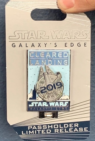 DLR Annual Passholder Star Wars Galaxy's Edge Pin