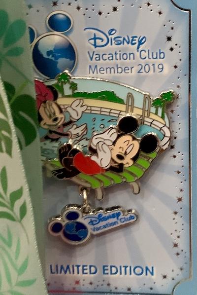 Disney Vacation Club - Mickey & Minnie 2019 Pin