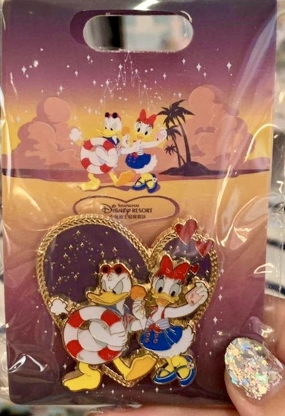 Donald & Daisy Heart Summer 2019 Shanghai Disney Pin