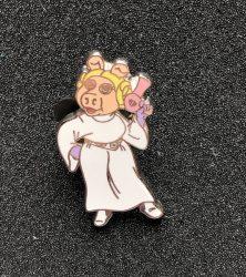 Miss Piggy Princess Leia Pin