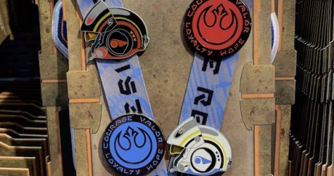 Resistance Star Wars Galaxy's Edge Pin Trading Starter Set
