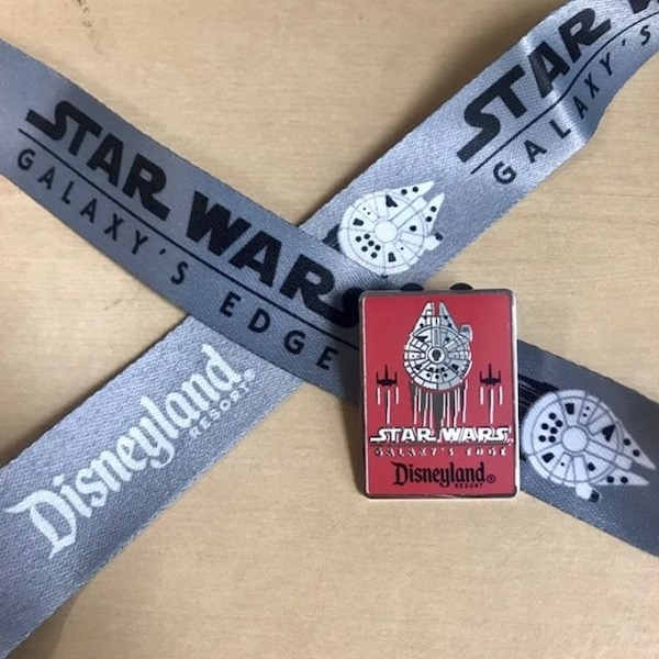 Star Wars Galaxy's Edge Disney Travel Company Pin & Lanyard