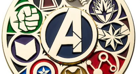 Marvel Avengers Deluxe Spinning Pin