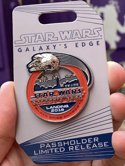 Landing 2019 Star Wars Galaxy's Edge WDW Passholder Pin