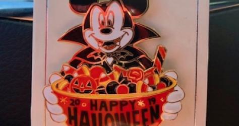 Halloween 2019 CM Disney Pin