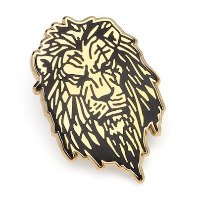 Lion King Scar Gold Lapel Pin - Closer Look
