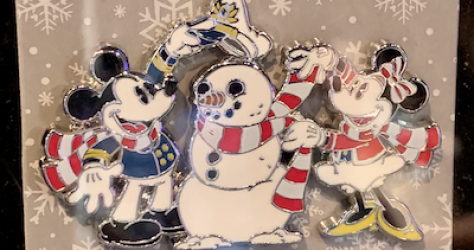Holiday 2019 DCL Pin