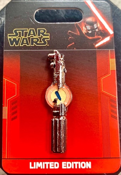 Lightsaber Star Wars The Rise of Skywalker Pin
