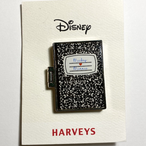 Mickey Loves Minnie Harveys Disney Pin