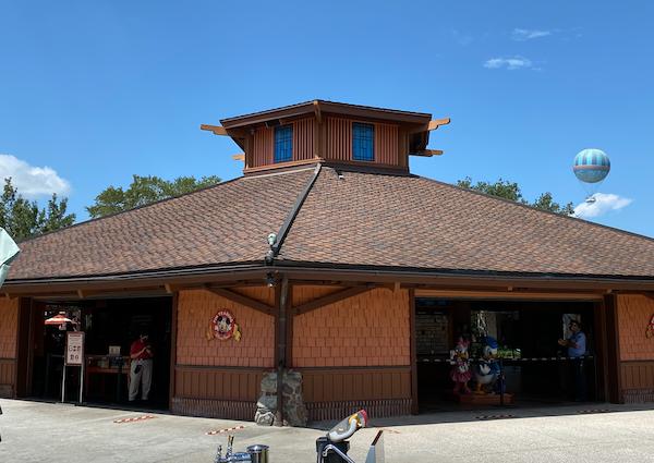 Disney's Pin Traders Reopens at Disney Springs