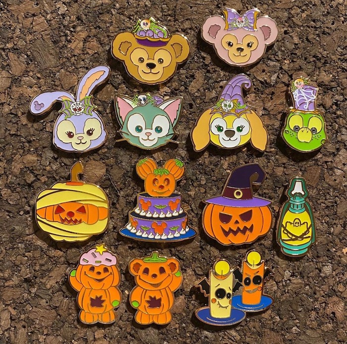 Duffy and Friends Boogieween Mystery Disney Pins