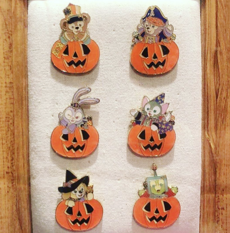 Duffy and Friends Halloween 2020 Shanghai Disneyland Mystery Pins
