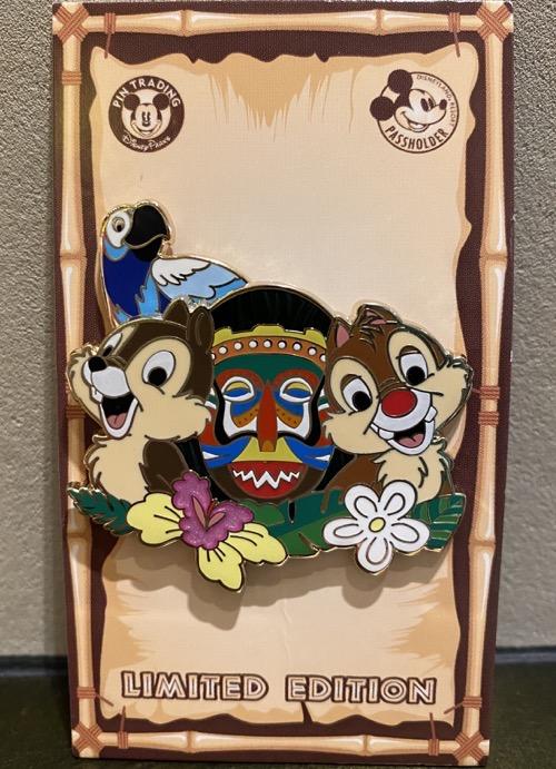 Chip n Dale Disneyland Passholder 2020 Pin