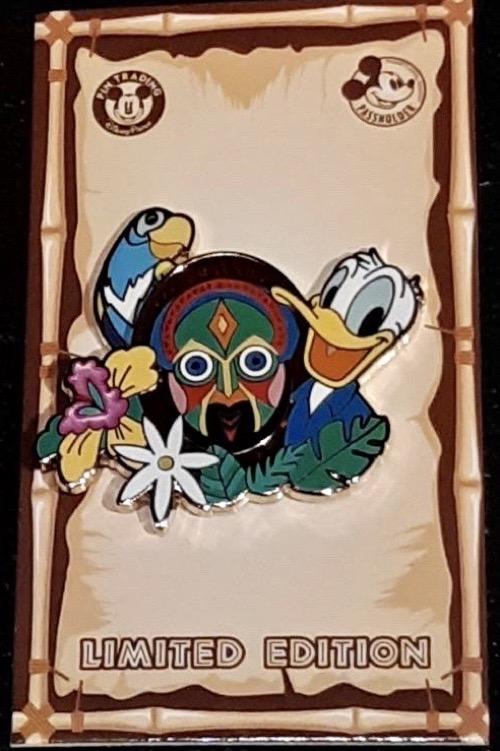 Donald Duck Disneyland Passholder 2020 Pin