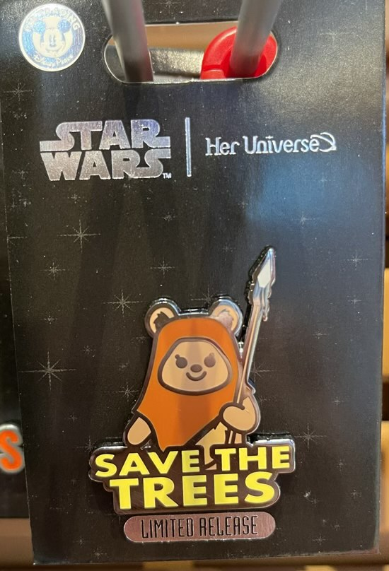 Wicket Pin by Her Universe – Star Wars