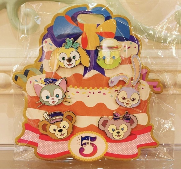 Duffy and Friends SHDR 5th Booster Pin Set