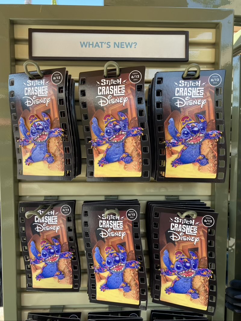 Aladdin – Stitch Crashes Disney Pin at DLR