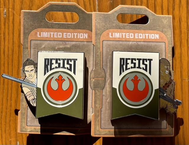 Rey & Chewbacca Star Wars Galaxy's Edge Slider Pin