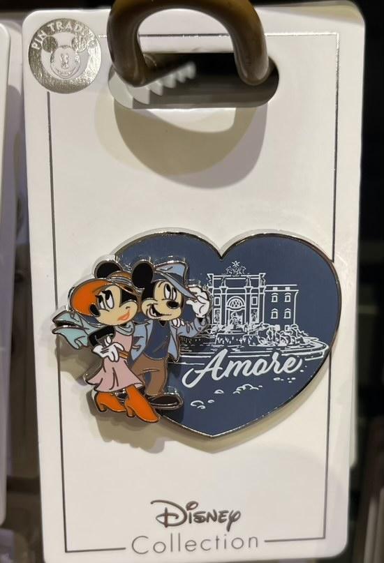 Mickey & Minnie Amore France Disney Pin