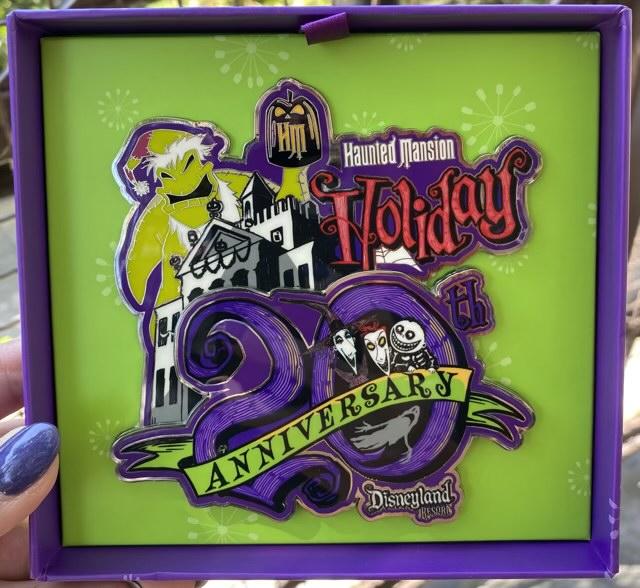 Haunted Mansion Holiday 2021 Jumbo Disney Pin